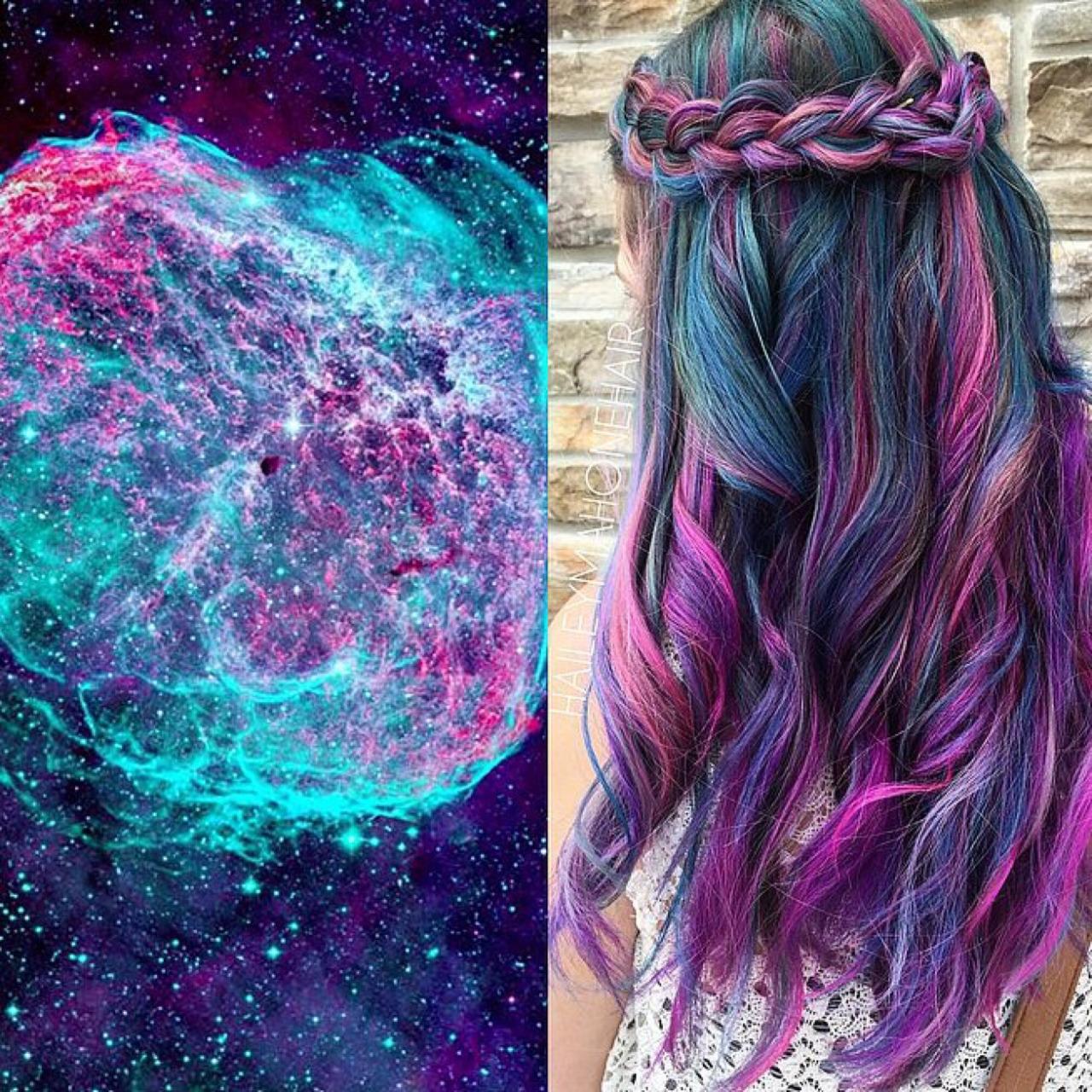 Фото девушек с необычными цветами волос