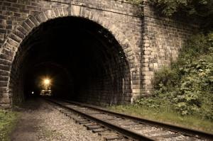 Поезд в тоннеле. Притча.